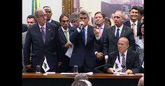 Presidenta? Peça para sair... peça para sair... Por aclamação, PMDB oficializa rompimento com governo Dilma