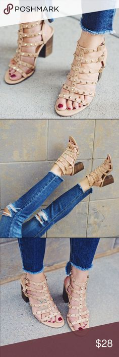 """{Betsyville} Rockstud Heel Sandals Valentino Rockstud look alikes , you'll be reaching for these beauties often! The neutral color means they will pair with everything.  Worn twice, ones small flaw - see last photo   c o n t e n t Bonded leather  c o l o r + nude  m e a s u r e m e n t s ✂️ + approx 3.5"""" heel    p a i r  w i t h 🌙  + AG skinny jeans   + cactus Kimono 💵 bundle for a discount Shoes"""