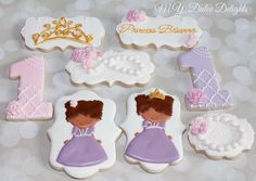 Try the pearl/lace cookie in ivory. Princess cookies | Cookie Connection