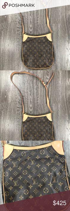 Authentic Louis Vuitton crossbody shoulder bag Authentic beautiful Louis Vuitton long strap shoulder bag!! Amazing condition, size, shape & style!! Adjustable buckle strap... inside 2 small pockets. Louis Vuitton Bags Crossbody Bags