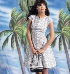 M6741 Misses'/Women's Petite Lined Dresses | Easy