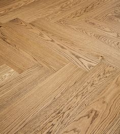 Novafloor.fi - Trinity Tammi Kirkas kalanruoto öljyvahattu & harjattu parketti Hardwood Floors, Flooring, Wood Floor Tiles, Wood Flooring, Floor