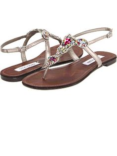 Steve Madden at 6pm. Free shipping, get your brand fix!
