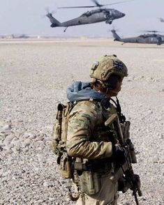 British Army's 16 Air Assault Brigade AAB) Pathfinder Platoon Whilst On Operations. Military Photos, Military Weapons, Military History, Special Forces Gear, Military Special Forces, Special Air Service, Special Ops, Police, British Armed Forces