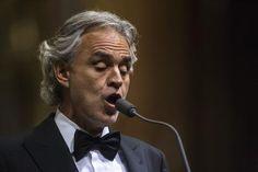 Andrea Bocelli promove shows anuais em sua cidade natal, Lajatico