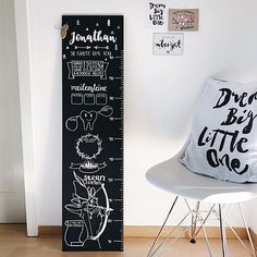 Record milestones on the growth chart Diy Home Decor, Room Decor, Entryway Decor, Diy For Kids, Baby Design, Kids Room, Easy Diy, Diy Projects, Simple