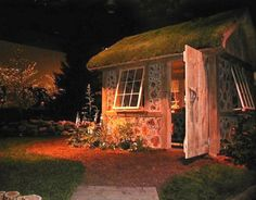 My favorite cordwood house!    http://www.inspirationgreen.com/cordwood-construction.html