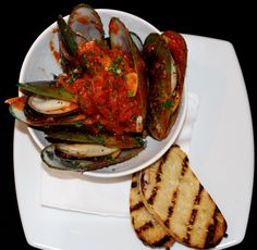 Tomi's Steamed Green Lipped Mussels withTomato and Herbs