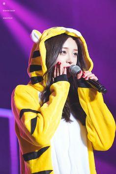 I.O.I. Kpop Girl Groups, Korean Girl Groups, Kpop Girls, Ioi Pinky, Ioi Nayoung, Pledis Girlz, Choi Yoojung, Fandom, Cosmic Girls