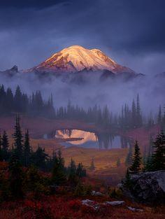 Volcanic Autumn   Washington's 14,411-foot Mount Rainier, se…   Flickr