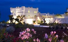 Günstiges Designhotel im  Süden: 5* Borgobianco Resort & Spa in Süditalien  http://www.lastminute.de/reisen/4906-81790-hotel-borgobianco-resort-spa-polignano/?lmextid=a1618_180_e30