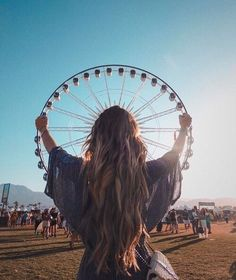 Lesson Strategy Coachella The post Lesson Strategy & Kunstfotos appeared first on Photography . Artsy Fotos, Artsy Bilder, Artsy Pics, Girl Photography Poses, Creative Photography, Photography Music, Photography Lighting, Digital Photography, Photo Tips
