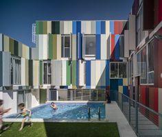 12 dwellings in Jaen / bRijUNi Architects