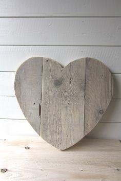 Je eigen steigerhouten hart voor aan de muur. Diverse maatvoeringen mogelijk.