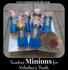 Twinkies Minions for Valentine's Treats with #free printable tag you can use from @Clair O'Neill @ Mummy Deals. #valentine #kidsvalentines