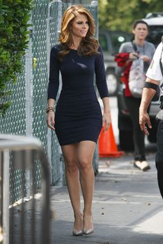 Maria Menounos Maria Menounos per il fitness Sexy Outfits, Cute Outfits, Fashion Outfits, Fashion Styles, Stylish Outfits, Fashion Tips, Tight Dresses, Sexy Dresses, Dresses With Sleeves