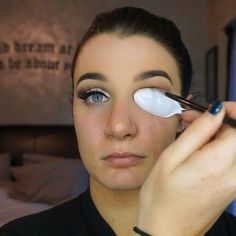 "Páči sa mi to: 39.7 tis., komentáre: 1,923 – Brittney Foley (@beautifoles) na Instagrame: ""Had so much fun creating this #cutcrease! Press play to see how I used a spoon to create it!!…"""