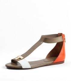 Lovely sandals from Tory Burch. Me want!