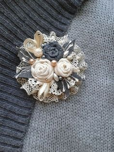 Top Tips, Tricks, And Methods For Your Perfect fabric flowers Denim Flowers, Burlap Flowers, Lace Flowers, Fabric Flowers, Flores Shabby Chic, Shabby Chic Flowers, Fabric Flower Brooch, Fabric Flower Tutorial, Textile Jewelry