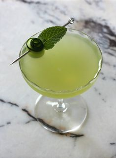 Christmas Cocktails, Craft Cocktails, Chartreuse Cocktail, Green Craft, Simple Syrup, Lime Juice, Cocktail Recipes, Gin, Alcoholic Drinks