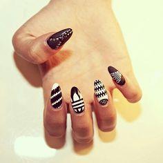 Beauty Inspiration | Black and White Stiletto Nails