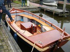 Wooden Boat Kits, Wooden Boats, Yacht Design, Boat Design, Canoes, Kayaks, Big Girl Toys, Naval, Old Boats