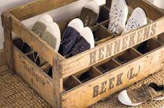 Reciclar, Reutilizar y Reducir : Fabulosas ideas para reutilizar cajas de madera Crate Decor, Shoe Holders, Wood Images, Ideas Para Organizar, Shoe Storage, Sneaker Storage, Rustic Farmhouse, Wooden Boxes, Home Organization