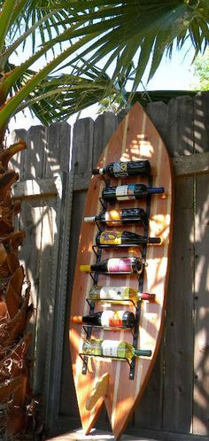 Surfboard Wine Rack, could use any type of board.Danielle I thought of you when I saw this. Surfboard Wine Rack, could use any type of board.Danielle I thought of you when I saw this. Surfboard Decor, Surf Decor, Beach Cottage Style, Beach House Decor, Home Decor, Bars Tiki, Decoration Surf, Bar Deco, Surf Shack