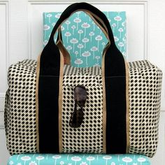 Stylish Quilted Duffle Bag Pattern Quilted Duffle Bag Pattern - This Stylish Quilted Duffle Bag Pattern wallpapers was upload on November, 20 2019 by admin. Here latest Quilted Duffle B. Duffle Bag Patterns, Bag Patterns To Sew, Quilt Patterns, Sewing Patterns, Quotes Together, Sewing Hacks, Sewing Projects, Sewing Tips, Sewing Ideas