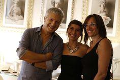 La fotografa/artista Aurora Giampaoli fra Fabrizio Tronfi titolare de IPazzi - Eco Concept Art Shop e Laura Guadagnucci coordinatrice di Livin'art - Arte da vivere