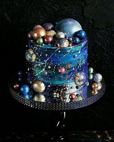 Gorgeous Hand-painted Wedding Cakes for 2019 - P.- Gorgeous Hand-painted Wedding Cakes for 2019 – Page 2 of 2 amazing hand painted Galaxy wedding cake - Crazy Cakes, Crazy Wedding Cakes, Creative Wedding Cakes, Creative Cakes, Bolo Laura, Galaxy Wedding, Mod Wedding, Wedding Blue, Wedding Ceremony