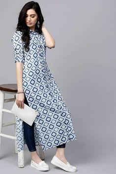 Salwar Designs, Kurta Designs Women, Kurti Designs Party Wear, Long Kurta Designs, Indian Fashion Dresses, Indian Designer Outfits, Fashion Outfits, Simple Kurta Designs, Stylish Dress Designs