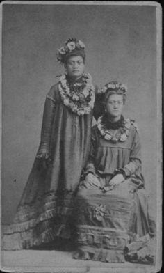 Hawaiian ladies - vintage