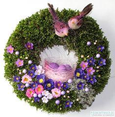 Wielkanoc - wianki-Wianek Wielkanocny V Easter Wreaths, Holiday Wreaths, Christmas Mantels, Christmas Decorations, Estilo Shabby Chic, Diy Ostern, Floral Hoops, Tiny Flowers, Deco Mesh Wreaths
