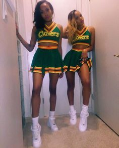 Have you been looking for best Halloween costumes for teens? HERE are the best teen Halloween costumes for you & groups that are smart and charming. Cheerleader Halloween Costume, Black Girl Halloween Costume, Teenage Halloween Costumes, Trendy Halloween, Diy Halloween, Pirate Costumes, Adult Costumes, Turtle Costumes, Diy Halloween Costumes