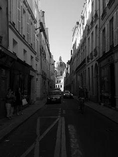 Rue Mazarine. 7PM.