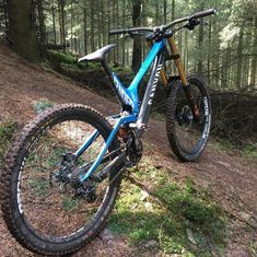 Would you change anything on this Canyon Sender?🤘🏻⠀⠀⠀⠀⠀⠀⠀⠀⠀ ▪️⠀⠀⠀⠀⠀⠀⠀⠀⠀ Tag someone who have to see… – scalariform-securit Freeride Mountain Bike, Mountain Biking, Gopro Video, Downhill Bike, Mtb Bicycle, You Changed, Sick, Action, Colours