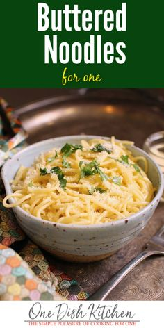 Buttered noodles are the ultimate pasta pleasure! Cooked pasta tossed with melted butter, garlic and Parmesan cheese. Simple yet so satisfying! Entree Recipes, Side Dish Recipes, Dinner Recipes, Cooking Recipes, Budget Recipes, Batch Cooking, Vegan Recipes, Pasta Dishes, Food Dishes