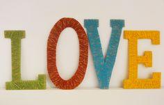 Etiquetas Handmade: Letras de cartón reciclado decoradas con lana