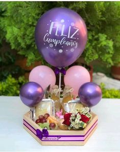 Cute Birthday Gift, Diy Birthday, Balloon Arrangements, Balloon Decorations, Girl Birthday Decorations, Themed Gift Baskets, Balloon Gift, Diy Crafts For Gifts, Balloon Bouquet
