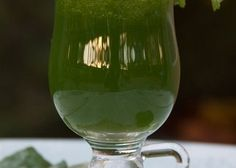 Splendid Spinach - apple, kale, parsley, spinach