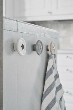 DIY button hooks