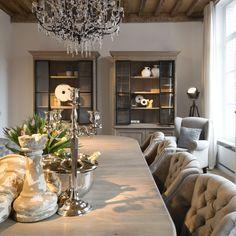 Ook voor de renovatie van jouw interieur of de aankleding van een kamer, kan je bij Charrell terecht.