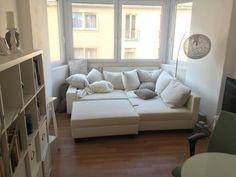 Gemtlicher Erker Mit Kuschligem Sofa Und Kissenlandschaft Schne Zentrale 2 Zimmer Wohnung