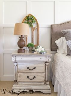 How to paint farmhouse style furniture #fixerupper #farmhouse #frenchcountry #shabbychic