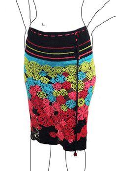 freeform crochet skirt Preferia se fosse só preta e vermelha