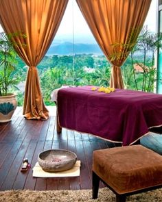 "Fun Bali fact of the day: ""A Balinese massage is a full-body, deep-tissue, holistic treatment that combines acupressure, reflexology, stretching and aromatherapy..."" (http://www.goodspaguide.co.uk/spa-treatments/wellbeing-treatments/56-Balinese-massage.cfm) -- and you might as well be doing it in Bali. Anantara Seminyak SPA -- #JSSpa"