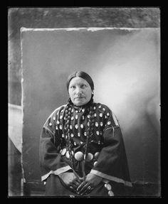 SARAH BLUE EYES , 1900