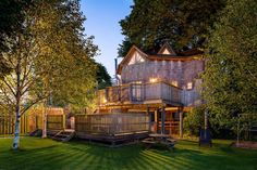 13 Amazing Treehouse Holidays With a Hot Tub in the UK [2021] Stay In A Treehouse, Luxury Family Holidays, Country Retreats, Luxury Holiday Cottages, Forest Cabin, Concept Architecture, Architecture Portfolio, Cool Countries, Stay The Night
