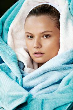 Les tops du mois de novembre du Vogue Paris Magdalena Frackowiak http://www.vogue.fr/mode/mannequins/diaporama/les-mannequins-du-numero-de-novembre-2013-de-vogue-paris-gisele-buendchen-anais-mali-cora-emmanuel-emily-didonato/16035/image/877419#!les-tops-du-mois-de-novembre-du-vogue-paris-magdalena-frackowiak